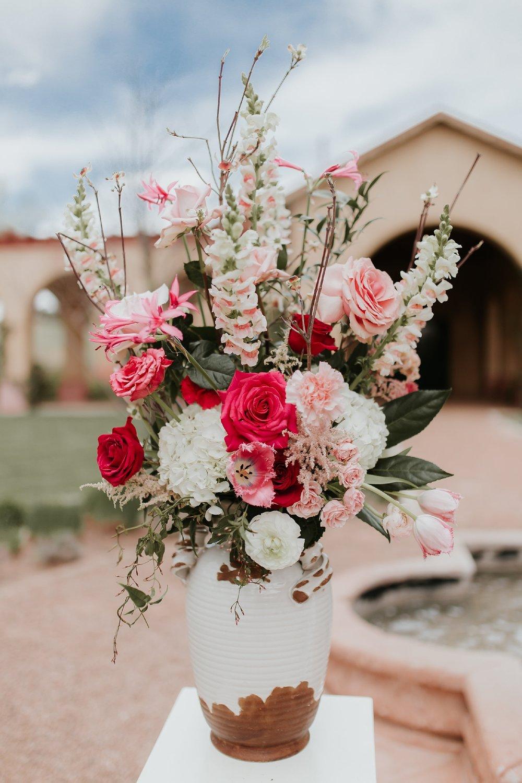 Alicia+lucia+photography+-+albuquerque+wedding+photographer+-+santa+fe+wedding+photography+-+new+mexico+wedding+photographer+-+new+mexico+florist+-+wedding+florist+-+renegade+floral_0048.jpg