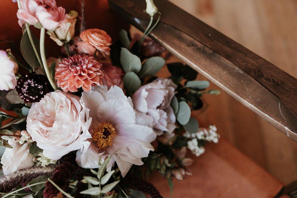 Alicia+lucia+photography+-+albuquerque+wedding+photographer+-+santa+fe+wedding+photography+-+new+mexico+wedding+photographer+-+new+mexico+florist+-+wedding+florist+-+renegade+floral_0097.jpg