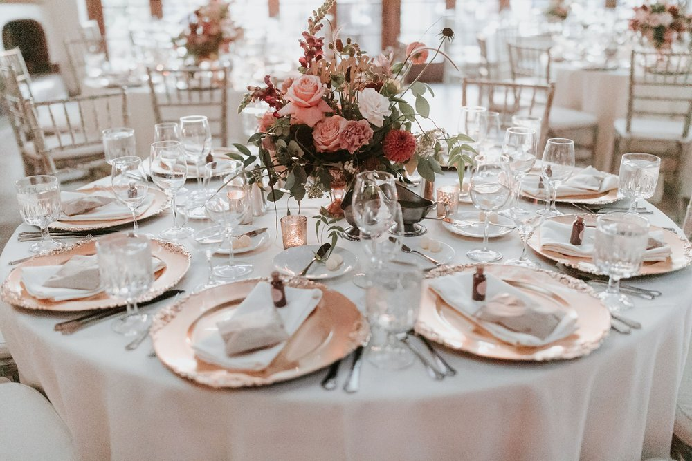 Alicia+lucia+photography+-+albuquerque+wedding+photographer+-+santa+fe+wedding+photography+-+new+mexico+wedding+photographer+-+new+mexico+florist+-+wedding+florist+-+renegade+floral_0107.jpg