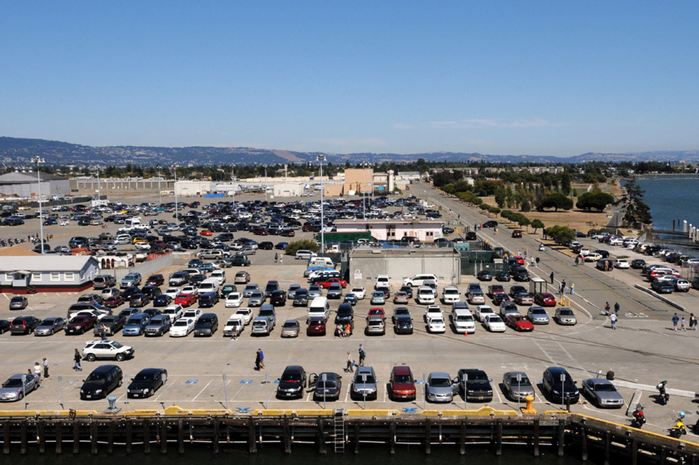 View of parking lot from Hornet's bow | Photo by Susan Wood — More Splashdown 2009 photos here