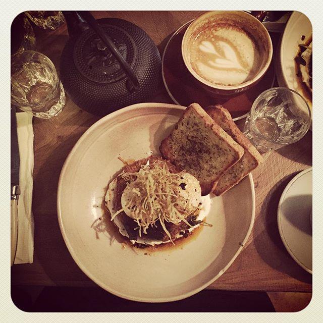Breakfast time! @monicalol @keemeee Sad no @its_nauhtym 😰 #cafe #coffee #breakfast #brunch #instafood #foodporn