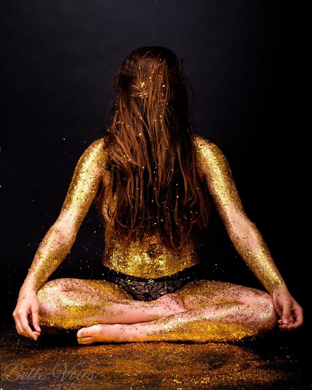Gold-Glitter-Boudoir-06.jpg