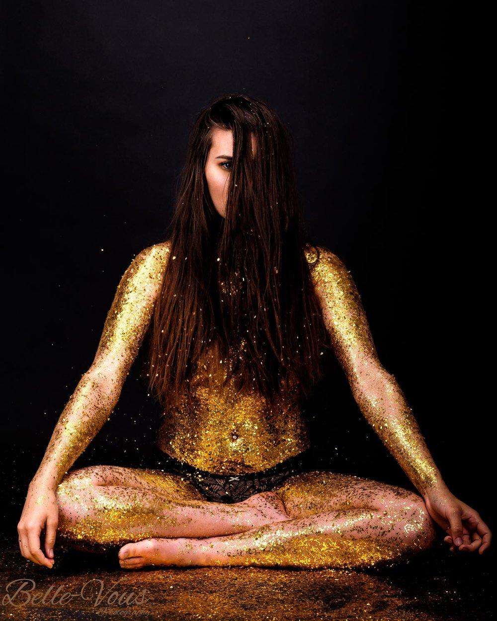 Gold-Glitter-Boudoir-07.jpg