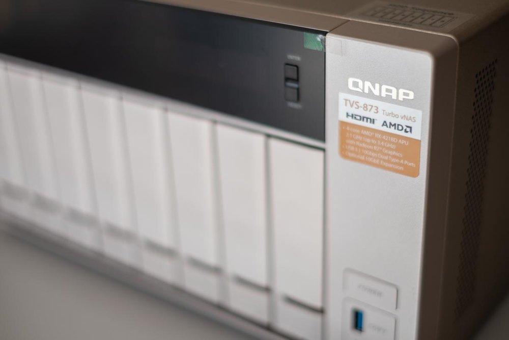 QNAP-TVS-873-5.jpg