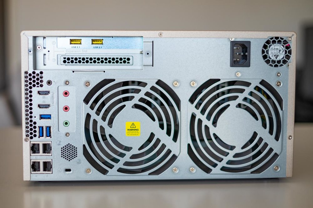 QNAP-TVS-873-4.jpg