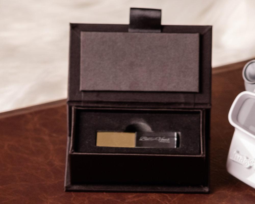 Boudoir photo usb and gift box