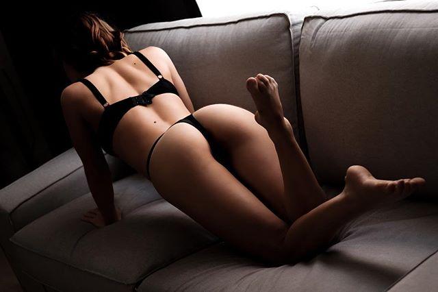 We now return to the regular scheduled programming 🤣 🍑 💃 @lucy.artmodel  #boudoir #buttgraphy #brisbanestyle #boudoirphotography #brisbane #boudoirphotographer #brisbanephotographer #womencaptured #brisbanecity #brisbaneanyday #boudoirinspiration #brisbaneblogger