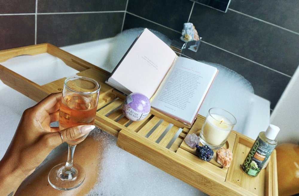 Bath Caddy ! Lots of people asked about where I got this from ! effect for relaxation with wine and a book or just Chiilin !