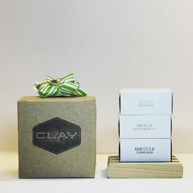 CLAY box set with reclaimed elm soap deck 🛁 • • #clay #boxset #soap #reclaimedwood #elm #lime #bergamot #eucalyptus #grapefruit #cedarwood #mint