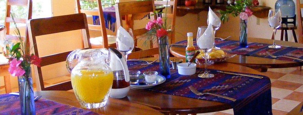 breakfast-lounge.jpg