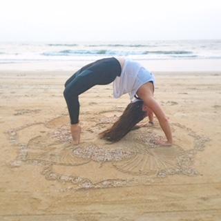 Jess Culotta yoga.beachbackbend (002).JPG