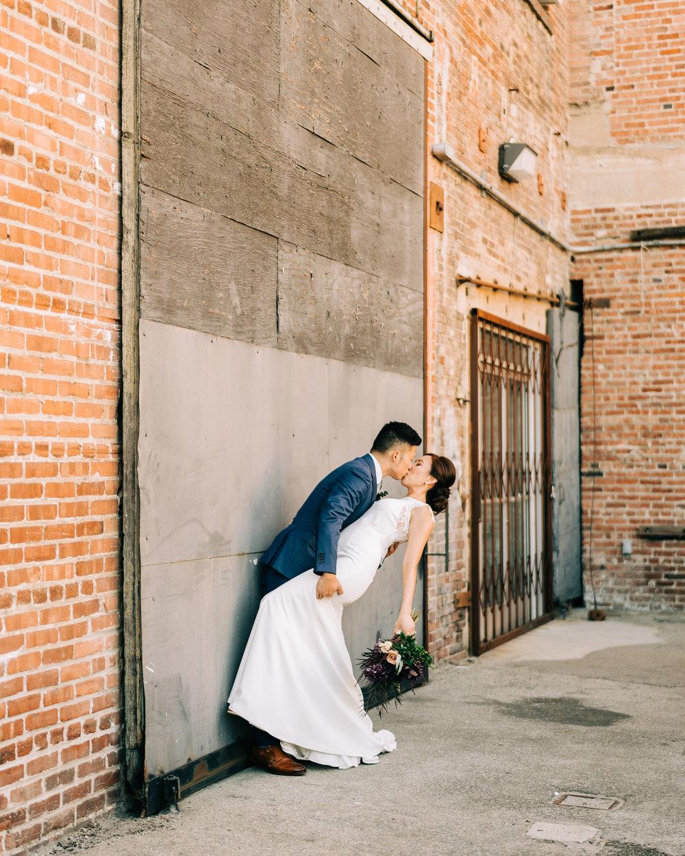the-alley-at-daily-dose-wedding-brandon-bibbins-photography-0 (2).jpg