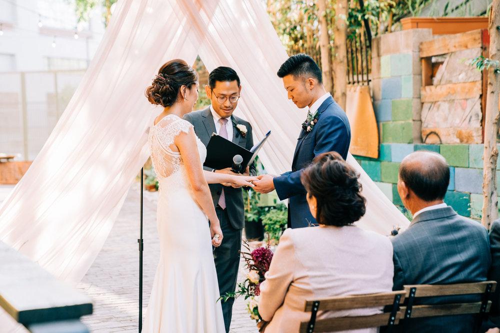 the-alley-at-daily-dose-wedding-brandon-bibbins-photography-0 (3).jpg