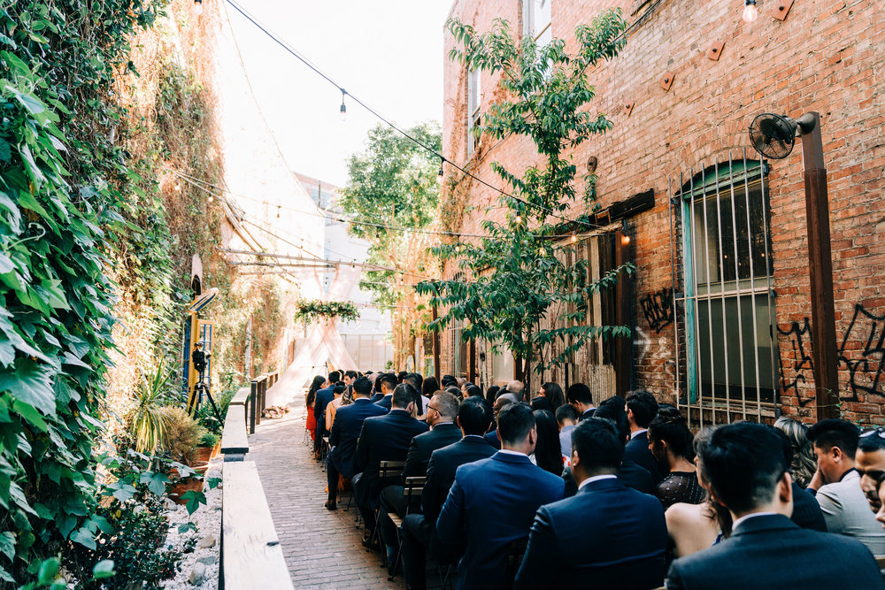 the-alley-at-daily-dose-wedding-brandon-bibbins-photography-1 (3).jpg