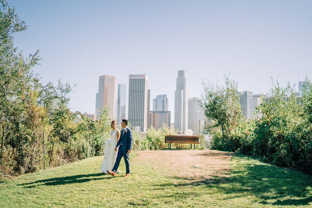 the-alley-at-daily-dose-wedding-brandon-bibbins-photography-2 (2).jpg