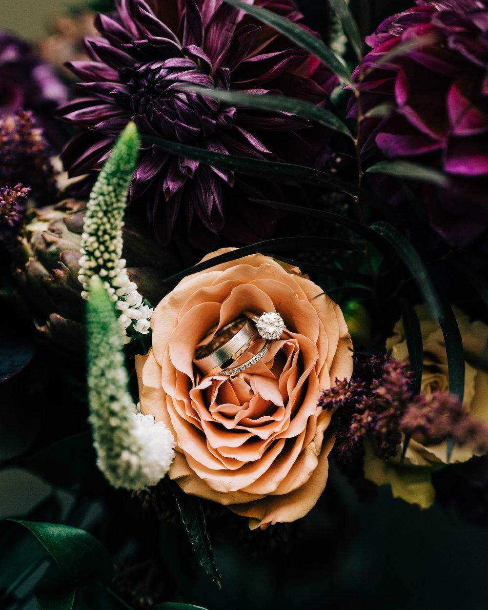 the-alley-at-daily-dose-wedding-brandon-bibbins-photography-3.jpg