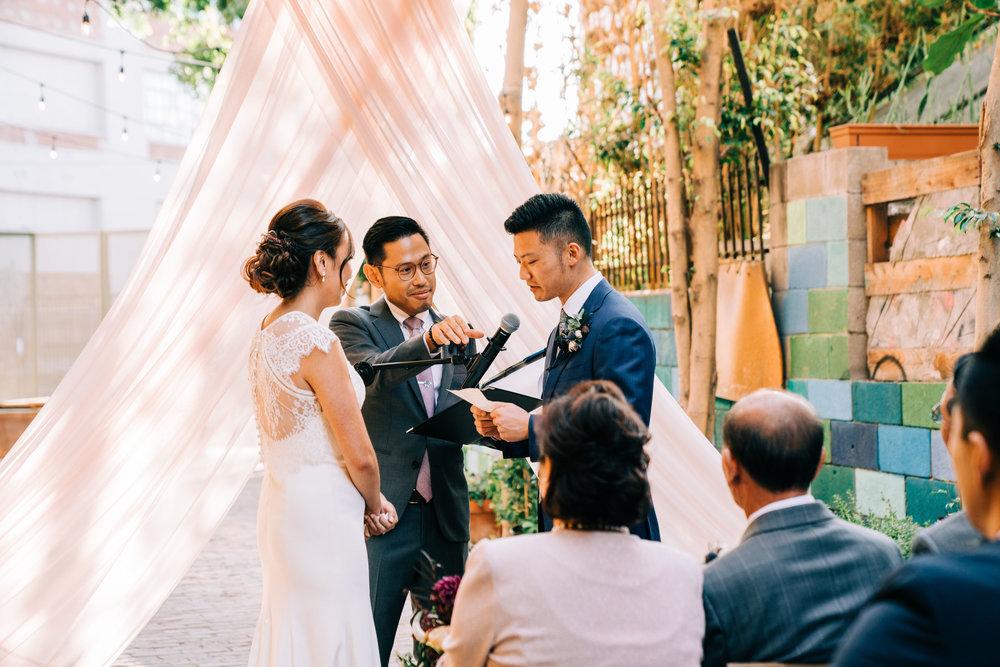 the-alley-at-daily-dose-wedding-brandon-bibbins-photography-9 (3).jpg