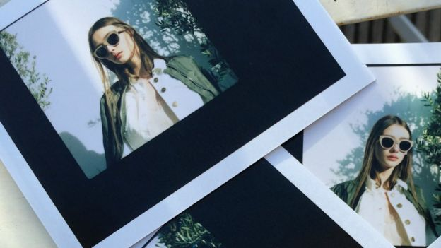 Burberry gave fans a behind-the-scenes look at its latest perfume brand photoshoot
