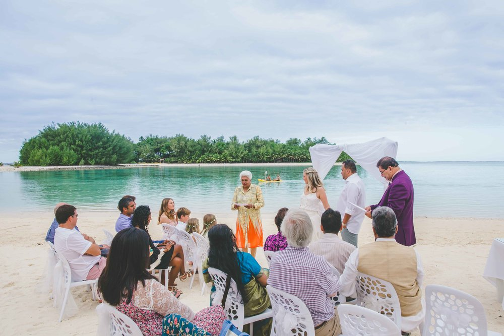 muri beach wedding photographer