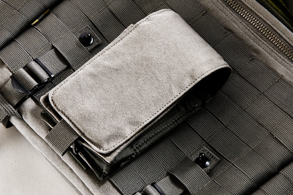 MULTIPOUCH SMALL ATTACHED EXTERNALLY