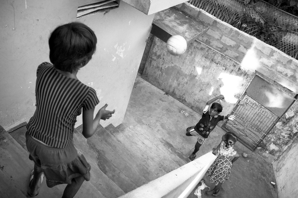 web_Sri-Lanka-BW-Ball-Play.jpg