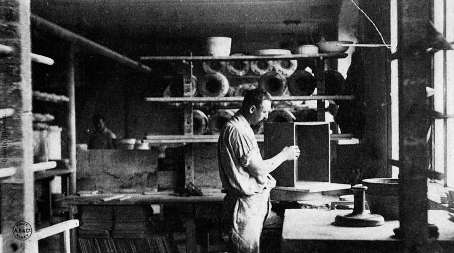 Faiencerie Luneville - Mouleur en creux - 1904
