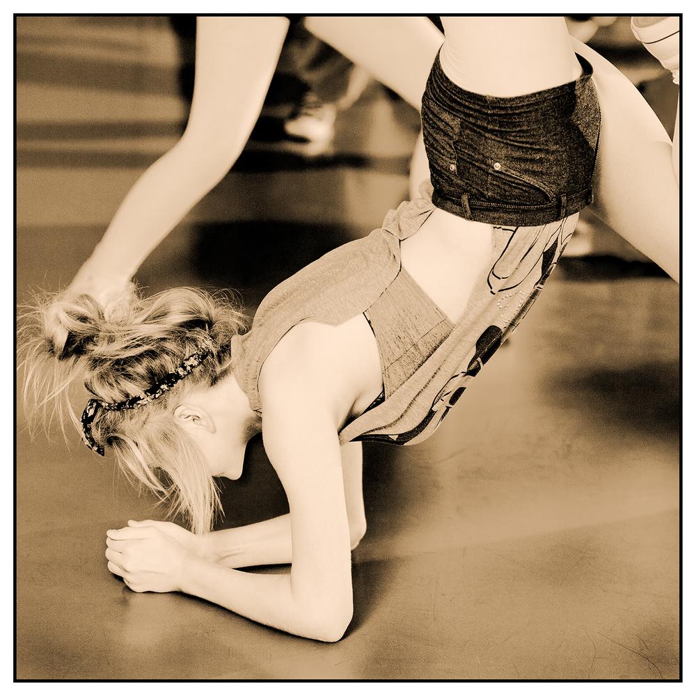 DancerB0050.jpg