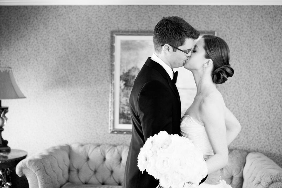 rosecliff-newport-wedding0011.jpg