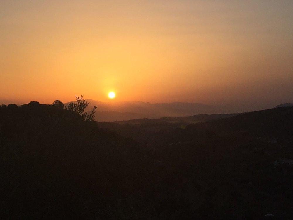 De baai van Malaga in volle ochtendgloren.jpg
