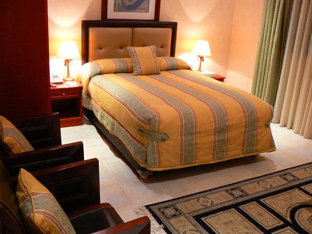 bedroom single.jpg