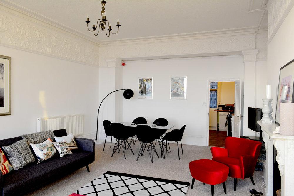 Lounge-34.jpg