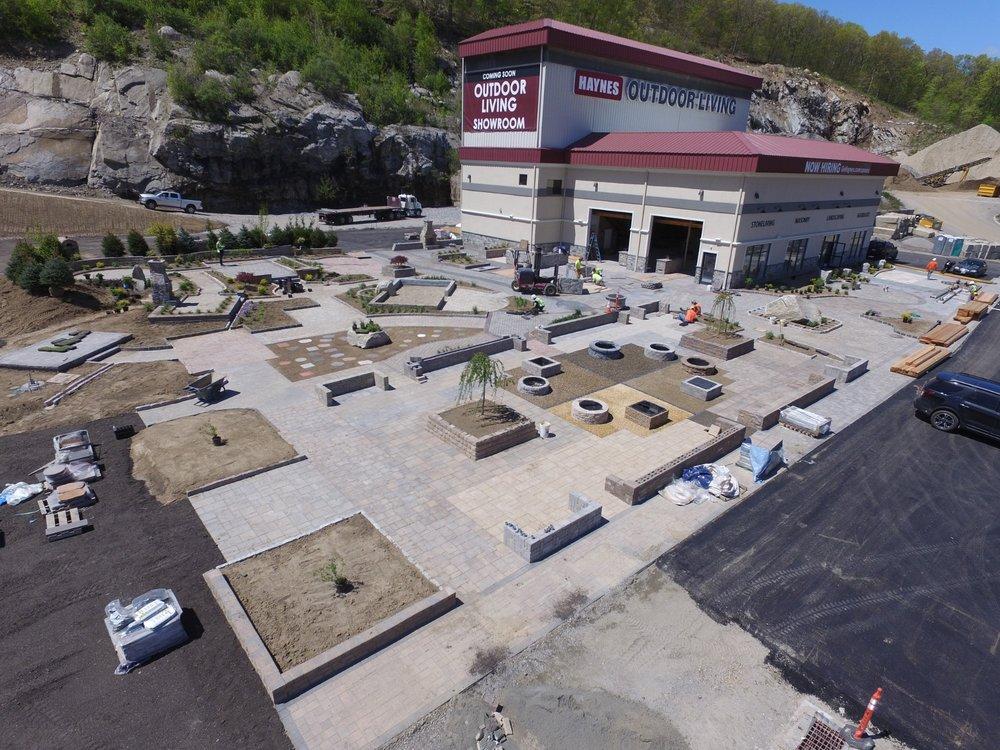 Seymour Retail Store 15 Franklin St. Seymour, CT 06483