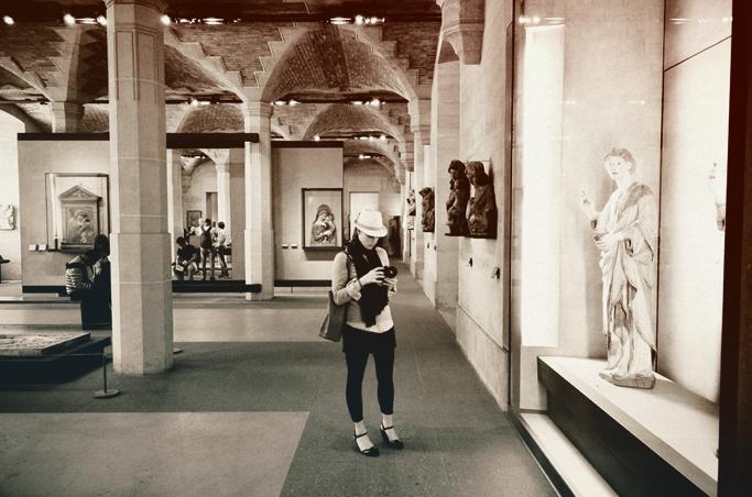 12_Life_Lausanne_Louvre_Low42.jpg
