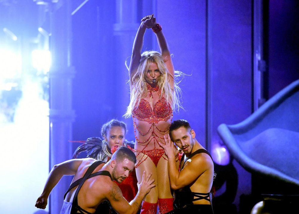 533589554-recording-artist-britney-spears-performs-onstage-during.jpg.CROP.promo-xlarge2.jpg