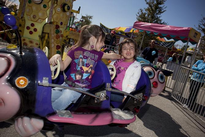 alyssa_london_bug_ride_fair_jennifer_kaczmarek.jpg