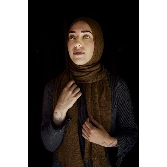 Selia Akdeniz (22) is part of the new generation of Norwegian Muslim women. Now they raise their voices. Photo #onassignment for VG. Words by Malene Birkeland. @vgfoto #vgpluss #portrait #photojournalism @thenam #photooftheday