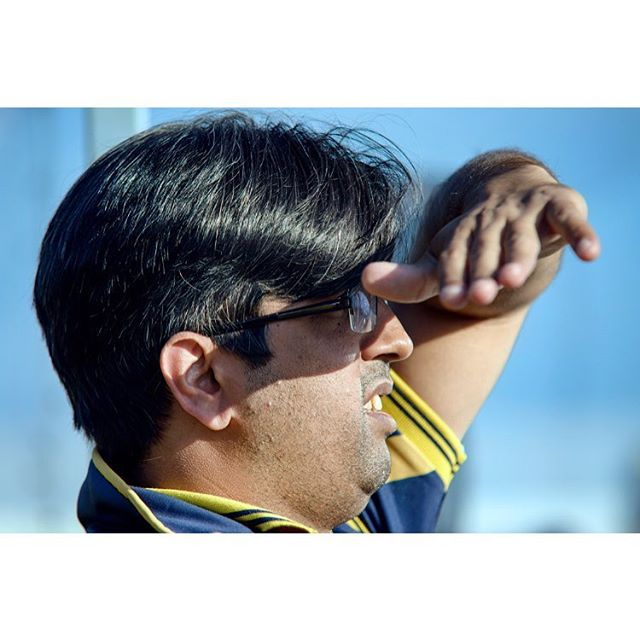 Farooq Haider (35) is watching his team play from the bench. Over 6000 people in Norway play cricket, allmost exclusively immigrants - but almost no one write about the sport. I went for VG to the Bærum T20 tournament to learn what it is all about. Words by Jon H. Rydne #cricket  #cricketnorway #T20 #cricketphotography @vgnett @vgnett #photojournalism #bærumcricket #vgpluss