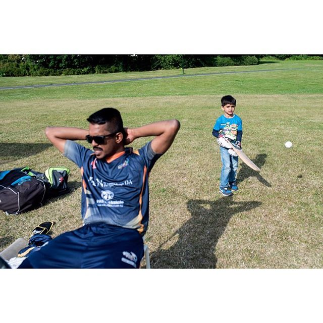 Over 6000 people in Norway play cricket, allmost exclusively immigrants - but almost no one write about the sport. I went for VG to the Bærum T20 tournament to learn what it is all about. Words by Jon H. Rydne #cricket  #cricketnorway #T20 #cricketphotography @vgnett @vgnett #photojournalism #bærumcricket #vgpluss