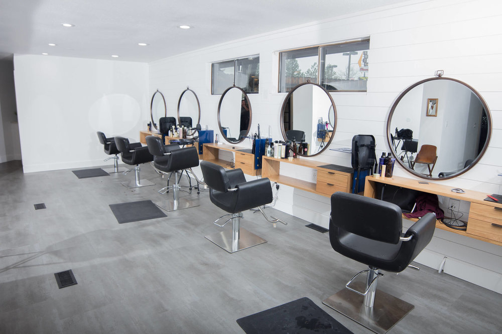elle-b-salon_raw-creative_stations.jpg