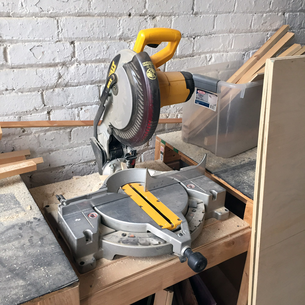 SOLD - Dewalt Miter Saw - DW703 / 10 in Compound Miter Saw