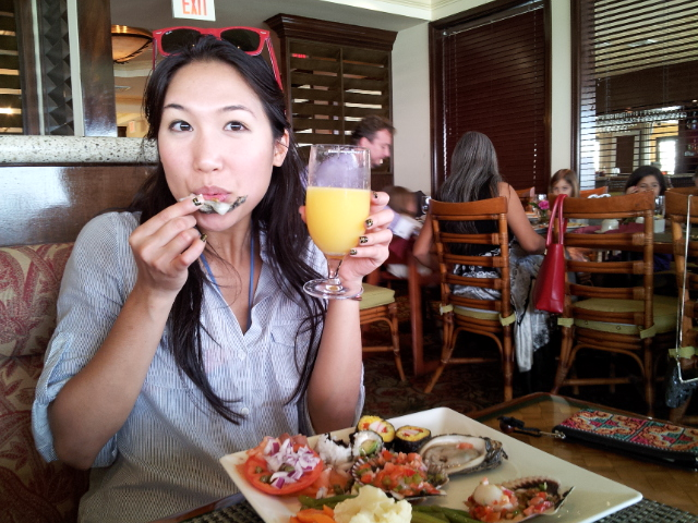 Yummm... brunch with bottomless mimosas!