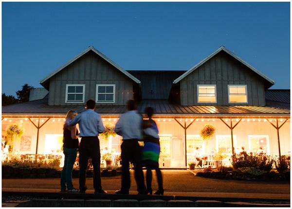 evening oregon winery wedding ambiance