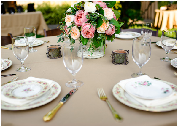 mismatched plates oregon wedding