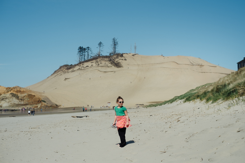 cape-kiwanda-oregon-beach-family-004.jpg