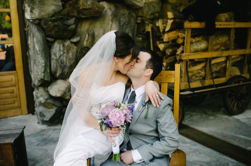 destination-asheville-north-carolina-wedding-075.jpg