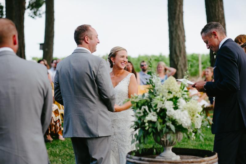 vista-hills-vineyard-wedding-oregon-064.jpg
