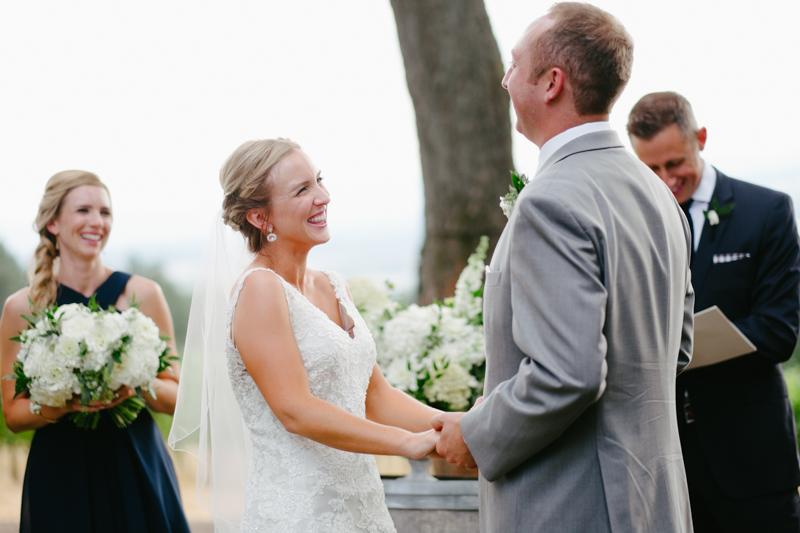 vista-hills-vineyard-wedding-oregon-070.jpg