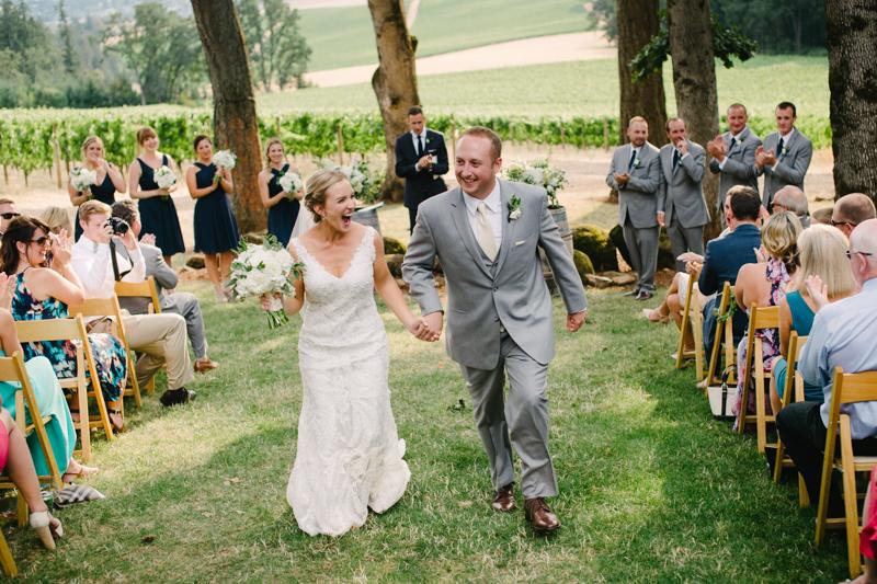 vista-hills-vineyard-wedding-oregon-074.jpg