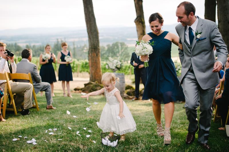 vista-hills-vineyard-wedding-oregon-076.jpg