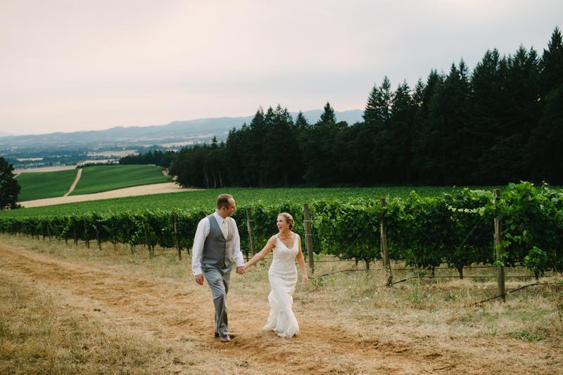 vista-hills-vineyard-wedding-oregon-088.jpg